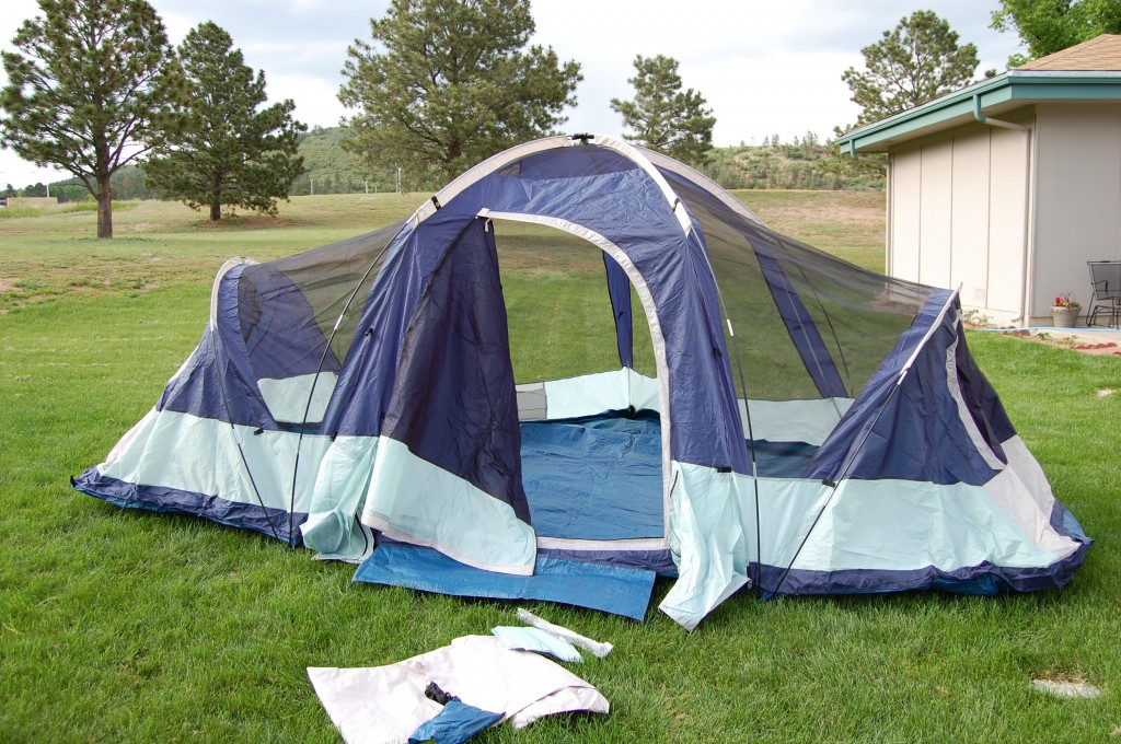 The larger poles stand up either ends of the tent : three room dome tent - memphite.com