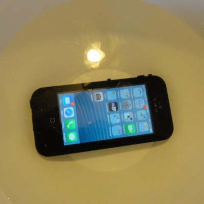 Testing the Lifeproof Fre waterproof case with iPhone 5